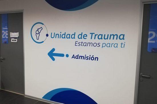 Instalacion de Adhesivos de Corte, Clinica Los Carrera